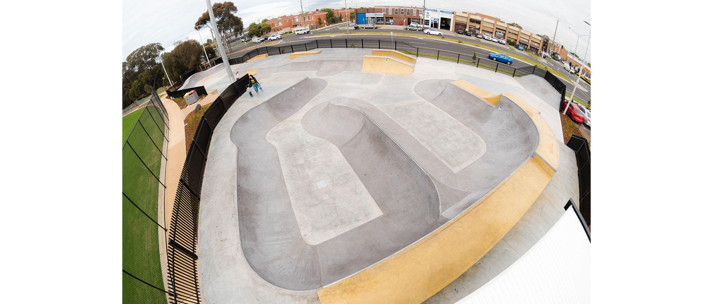 Bentleigh East skate park bowl over view