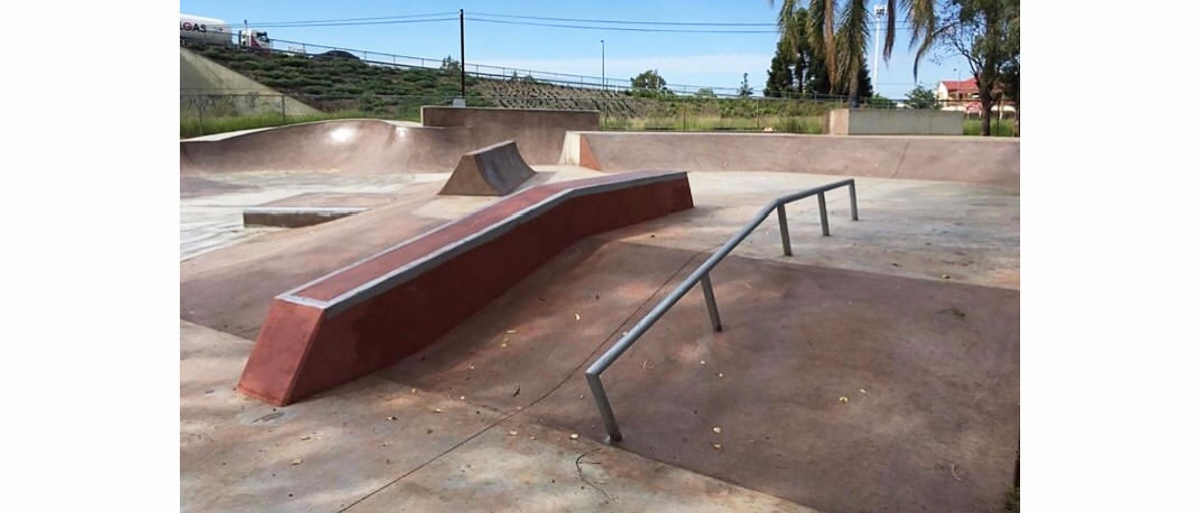 Chinchilla skate park hubba and rail