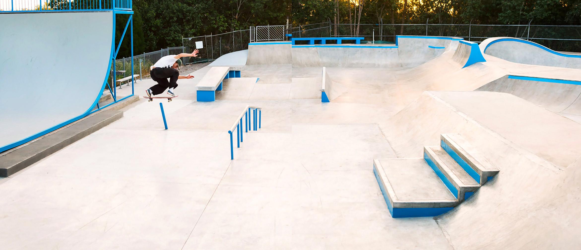 Matthew Boggis pole jam bs lip at Sunshine Beach skate park