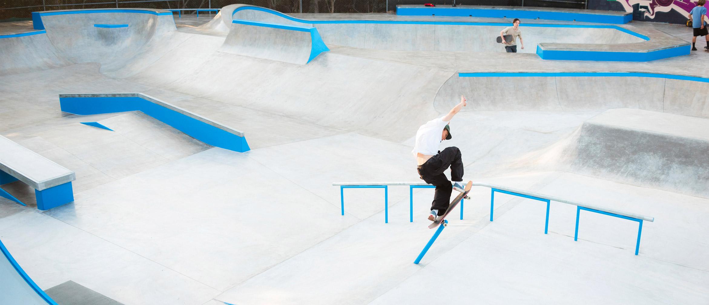 Matthew Boggis pole jam backside smith at Sunshine Beach new skate park