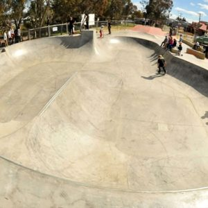 Young skate bowl